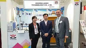 On the second day of the Hannover Fair, our partners in Germany came to our booth to discuss the in-depth cooperation on marking machines and engraving machines.